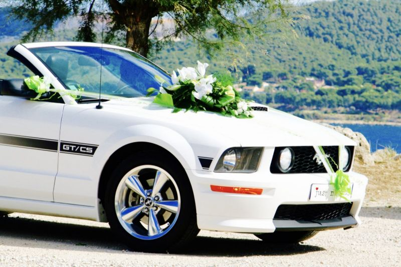 location mustang pour mariage avec chauffeur r server son taxi provence transports. Black Bedroom Furniture Sets. Home Design Ideas